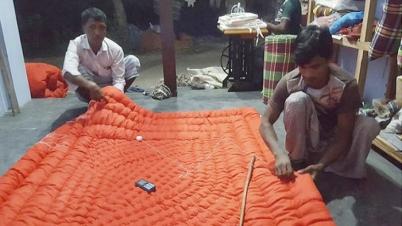 রাজশাহীতে লেপ তোষক তৈরিতে ব্যস্ত কারিগররা