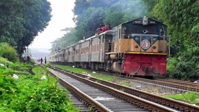 রাজধানী  খিলগাঁওয়ে ট্রেন লাইনচ্যুত