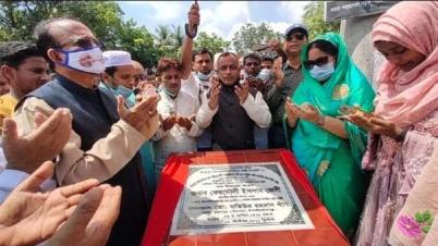 চাঁপাইনবাবগঞ্জে ৫ টি  রাস্তার সংস্কার  কাজ শুরু