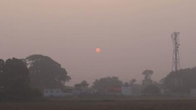 বৃষ্টির পর শীত জেঁকে বসেছে  চুয়াডাঙ্গায়