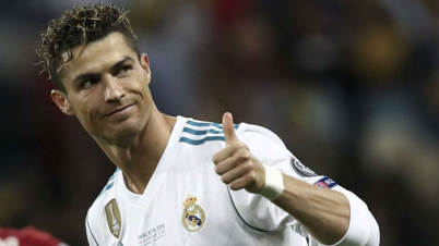 রোনালদো জিতলেন 'গোল্ডেন ফুট অ্যাওয়ার্ড'