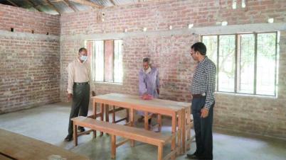 খানসামাতেও রবিবার খুলছে  শিক্ষাপ্রতিষ্ঠান, চলছে পরিষ্কার-পরিচ্ছন্নতার কাজ