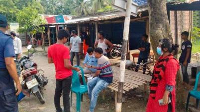 বোয়ালমারীতে ভ্রাম্যমাণ আদালতে আট মোটরসাইকেল চালককে ৭,৬০০ টাকা জরিমানা