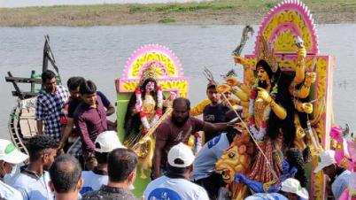 দুর্গাপুজার উৎপত্তিস্থল রাজশাহীর তাহেরপুরে প্রতিমা বির্ষজন হয়নি