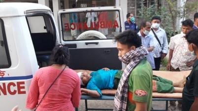 রোয়াংছড়িতে সড়ক দুর্ঘটনায় ইউপি মেম্বারসহ ৫জন আহত
