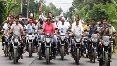 ঘাটাইল পৌর মেয়র ভিপি শহীদের মোটরসাইকেল শোডাউন