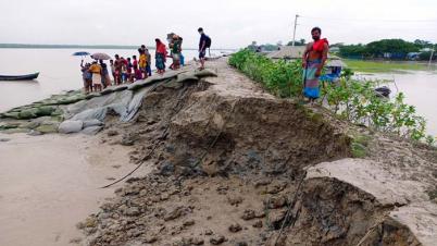 নদীর উত্তাল ঢেউয়ের গর্জনে প্রতিনিয়ত ভাঙ্গছে নিজামপুরের বেড়িবাঁধ