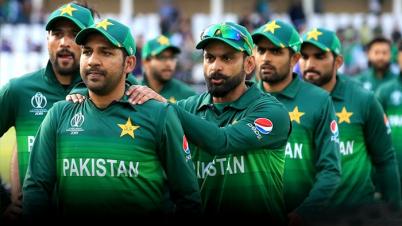 পাকিস্তান ক্রিকেট দলে করোনার হানা
