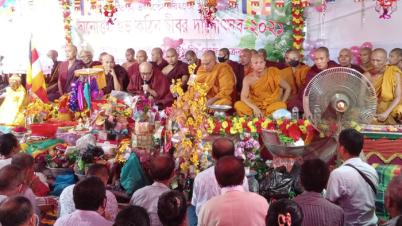 রামগড় আনন্দ বৌদ্ধ বিহারে কঠিন চীবর দানোৎসব পালিত