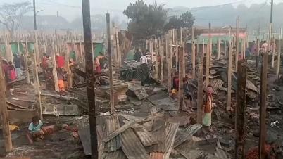 রোহিঙ্গা শিবিরে আগুন, ৫ শতাধিক ঘর পুড়ে ছাই