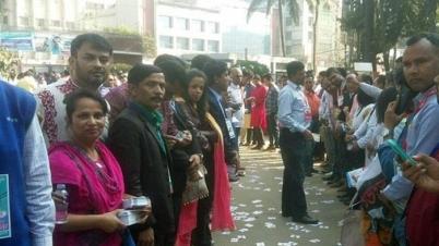 শান্তিপূর্ণভাবে ঢাকা সাংবাদিক ইউনিয়নের নির্বাচন চলছে